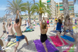 #AlicanteOnFire yoga WS at the beach